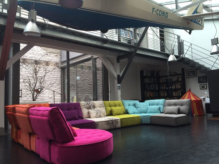 Sofá Arianne Love lleno de color en este loft de Dijon (Francia).