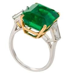 Untreated Colombian Emerald and Diamond Ring For Sale at 1stdibs
