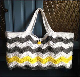 Chevron Tote free crochet pattern.