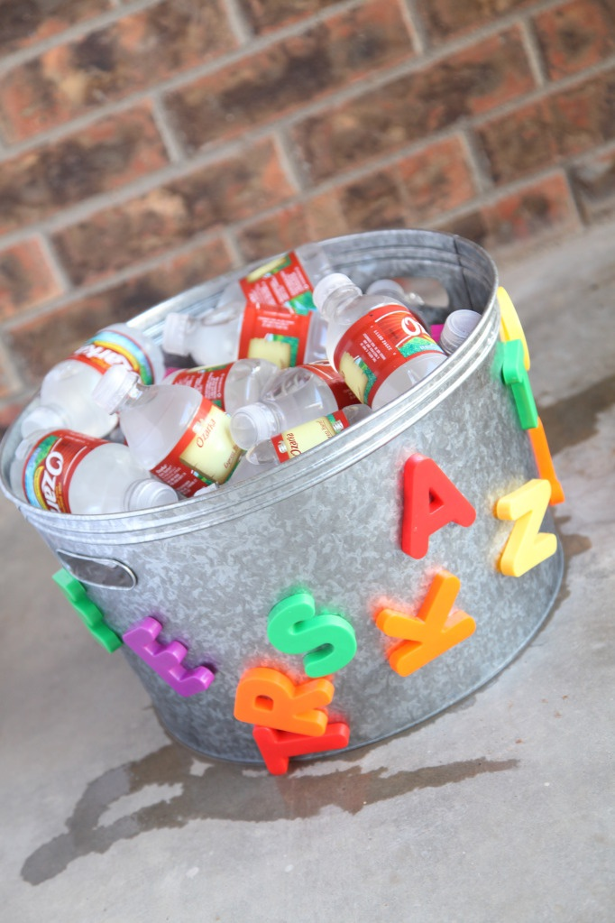 "galvanized tub with ABC magnets. - spell out ""drinks"" or ""water"" with magnets"