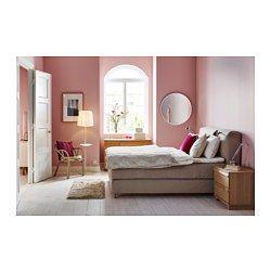 IKEA - MJÖLVIK, Boxspringbett, 160x200 cm, Hövåg fest/Tuddal beige, , Gemütlich ins Bett kuscheln mit einer Tasse Tee und einem Buch ... Lehn dich an das weich gepolsterte Kopfteil in der beruhigenden Gewissheit, dass die Bezüge leicht abzunehmen und waschbar sind.Hochelastischer Kaltschaum in der Matratzenauflage wirkt druckentlastend und sorgt für eine festere Liegeoberfläche.Eine extrastarke Schicht aus Komfortmaterial in der Matratze sorgt für ein angenehmes Liegegefühl.Die einzeln…