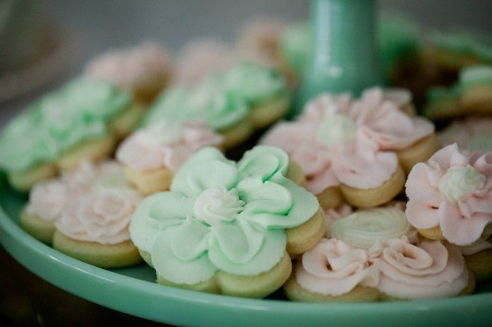 Jenny Cookies with @Wilton Cake Decorating new garden cutter set!