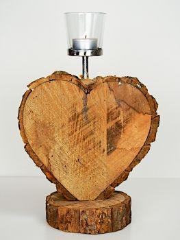 Herz aus massivem Holz mit einem Teelichthalter 34 cm hoch. http://creatina-dekoshop.de/Deko/Herz-aus-massivem-Holz.html