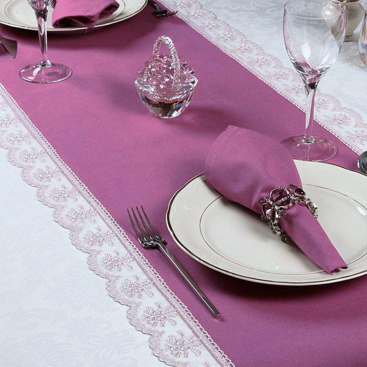 Tischläufer mit Spitze  Eleganter Tischläufer aus Wasser- und schmutzabweisendem Stoff (Stoff mit Bionic Finish)   Material: