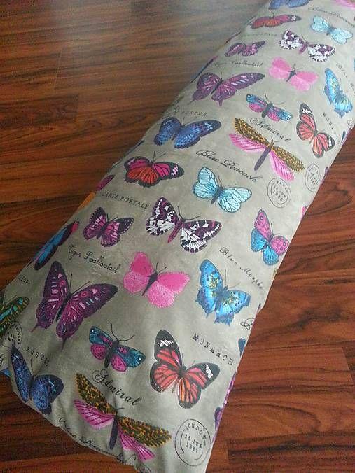 HEDERVIGA / Vankúš MEDZINOŽNÍK z látky z USA - motýliky
