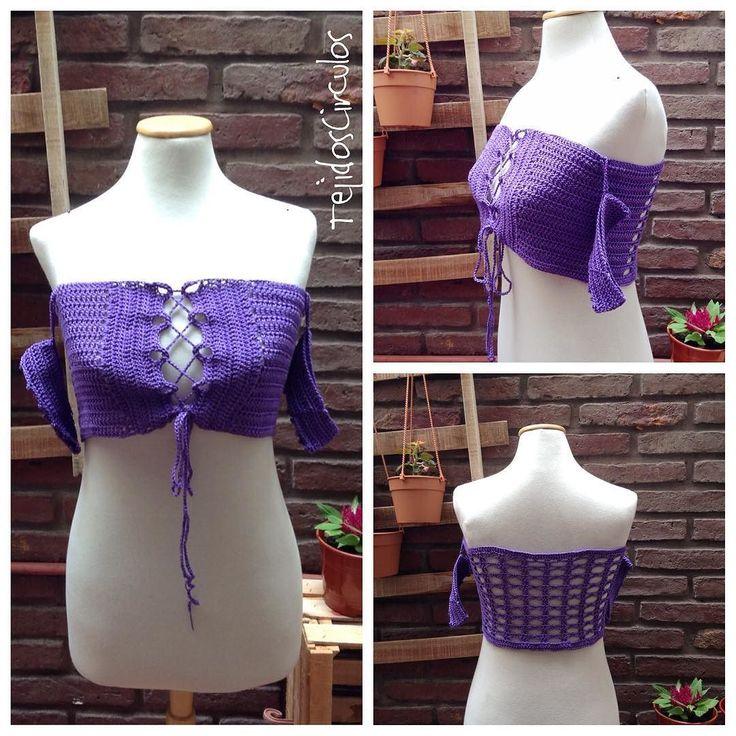 This off the shoulder top and the pattern are available on my Etsy shop. Size L purple. #crochet #ganchillo #instafashion #fashion #etsy #bandeaubikini #bikini #swimwear #swimsuit #crochettop #beachlife #beach #summer2017 #purple #ganchillo #häkeln
