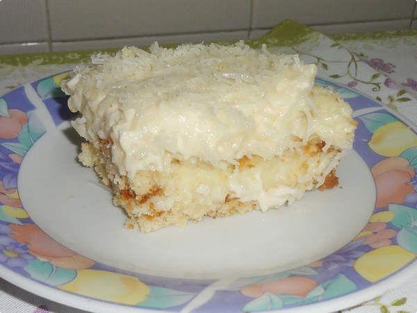 Bolo Gelado de Coco - Esse bolo é uma verdadeira tentação, fica muito bom mesmo, experimente! - Aprenda a preparar essa maravilhosa receita de Bolo Gelado de Coco