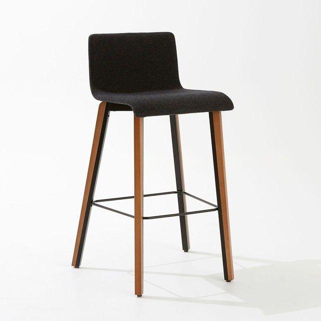 Au delà d'un esthétisme simple et tendance, la chaise de bar Joan offre un excellent confort d'assise. Fabrication européenne.Caractéristiques de la chaise de bar Joan:Structure multiplis hêtre, rembourrage mousse polyester. Revêtement feutrine 70% laine, 25% polyamide, 5% autres fibres. Pieds hêtre massif vernis acrylique et acier finition époxy.Retrouvez notre collection déco sur laredoute.frDimensions de la chaise de bar Joan:Totales :Largeur : 45 cmHauteur : 96 cmProfondeur : 50 c...