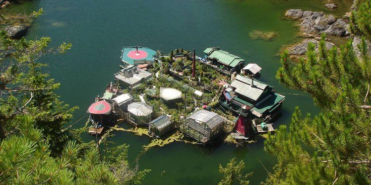Freedom Cave: Islas flotantes en Canadá donde la gente vive en un paraíso…