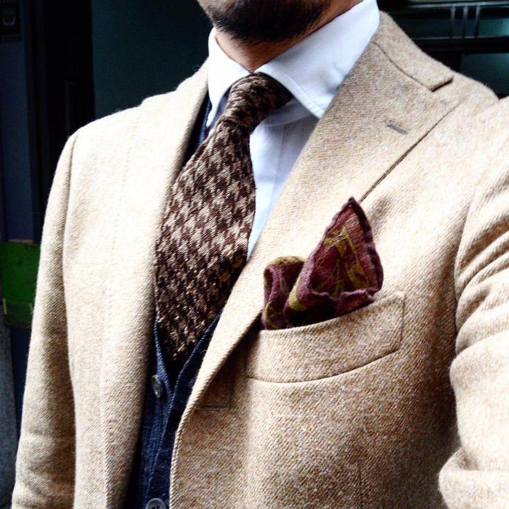 Baby suri alpaca jacket & houndstooth tie.  Jacket: RING JACKET Shirt:RING JACKET Tie:RING JACKET(made in como) Knit:John Smedley #ringjacket #ringpeople#johnsmedley