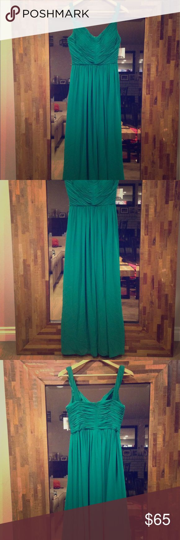 Emerald green gown Wear this to a wedding and you'll be wearing white at the next one 😊 Donna Morgan Dresses Maxi