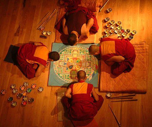 Teatro Vittoria: Stagione 2005-2006 - monaci tibetani del monastero di Ganden Jangtse
