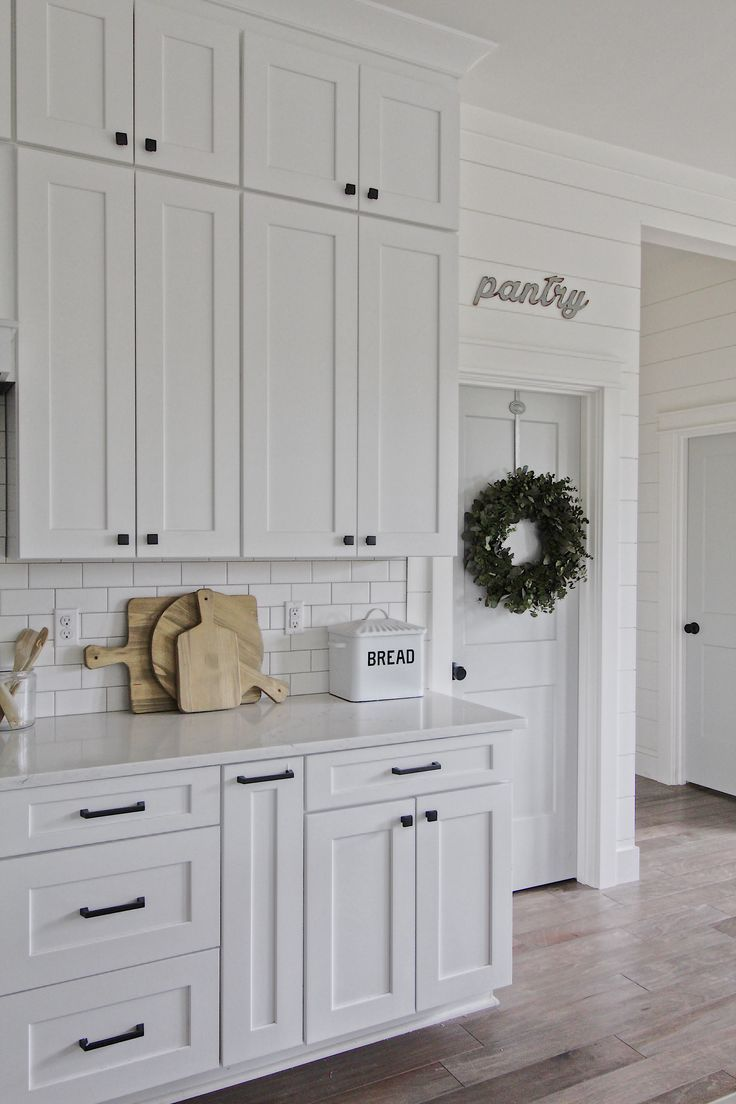 Modern Farmhouse Kitchen White Kitchen Shaker Cabinets White Cabinets Subway Tile Sub Modern Farmhouse Kitchens Home Decor Kitchen Modern Kitchen Cabinets