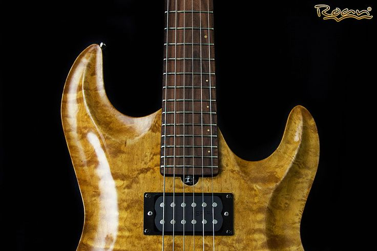 """Emanuele Del Bufalo - Prodotti/Cataloghi """"Roan Guitars"""""""