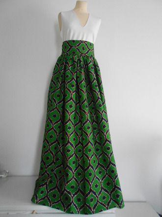 Belle jupe longue froncée en wax dans un très beau tissu motif du wax Une classique dans sa garde robe. Elle vous mettra en valeur dans vos soirées chics. Élégance et ethnic - 19168490