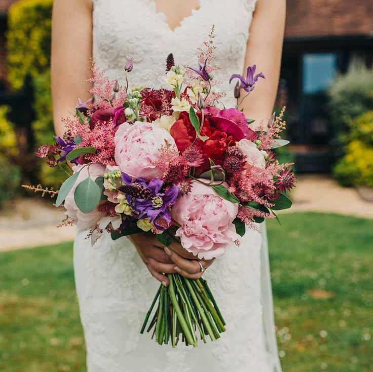 We loved the colour scheme for the wedding of Sarah & Dave at Burley Manor this summer.  Stunning photography by Kasia of Peppermint Love Photography. http://ift.tt/2mtIJ68 More to come from this wedding on our website soon @peppermintlove_ @burleymanor @willow_floristry #weddingflowers #weddingflorist #bridalbouquet #dorsetwedding #weddingphotographer #wedding #weddingseason #verwoodflorist #verwoodflowershop #flowersofinstagram #floristlife