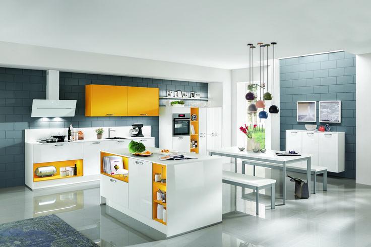 Žluto bílá kuchyně