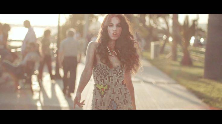 Κατερίνα Στικούδη - Μη   Katerina Stikoudi - Mi - Official Video Clip (+...