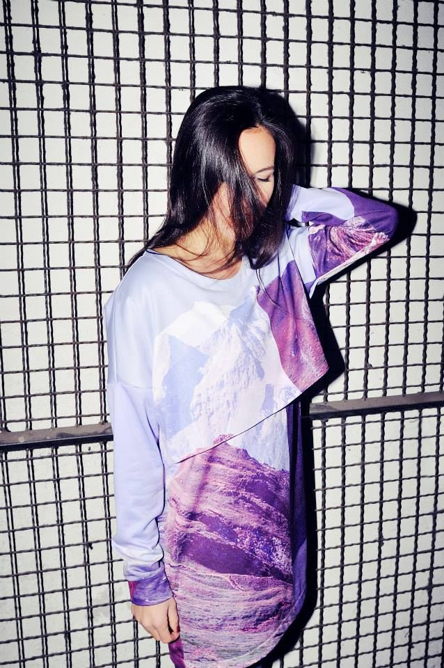 double layered printed sweater / Daige