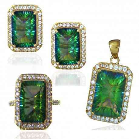 wholesale silver jewelery is an option you can always lookout for it at sizzling silver,the company has listed its finest jewellery at his homepage and you can gaze at the fine piece of art by visiting company's website http://www.sizzlingsilver.com/collections/gold-drusy-jewelry/