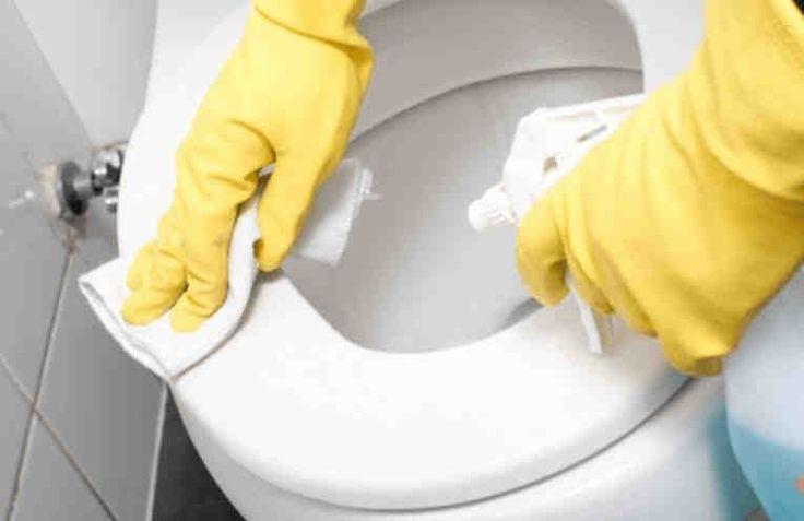 Как легко очистить унитаз от стойкого загрязнения и налета. Дешево и экологично!
