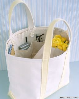 no pattern on the site, but a good idea for adding an insert to a tote bag to organize things (the site used a carpenter's apron)