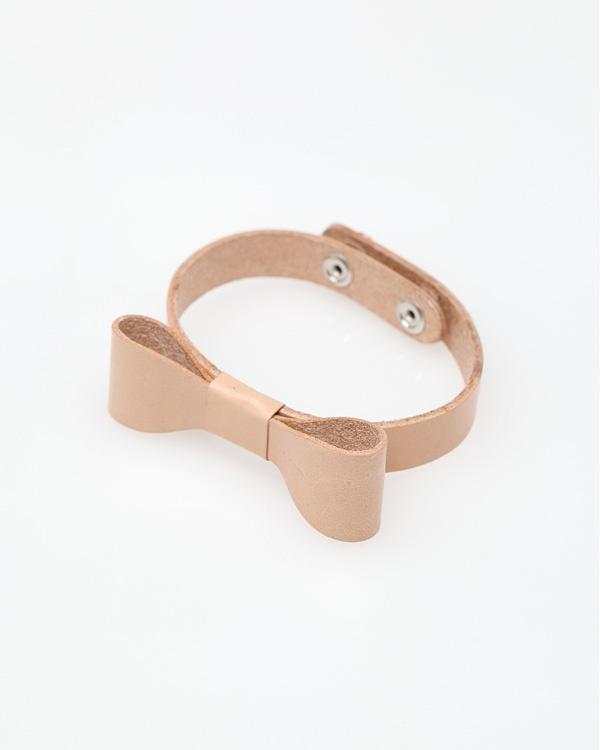Leather Bow Bracelet: Bow Bracelet, Spectacular Jewels, Diy Crafts, Diy Bracelets, Fashion Inspiration, Bows Bracelets Dads, Leather Accessories, Leather Obsession, Leather Bows