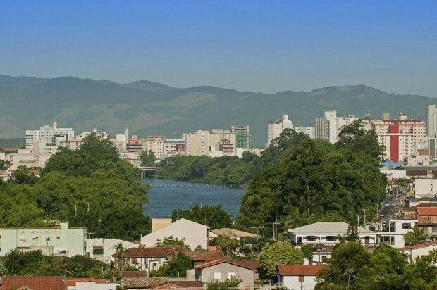Margens do Rio Tubarão,  Tubarão,  Santa Catarina, Brasil