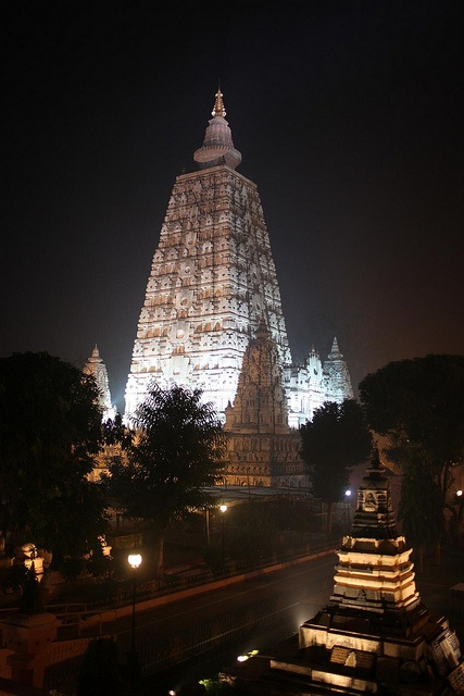 Mahabodhi Temple in Bodhgaya: Buddha's Enlightenment