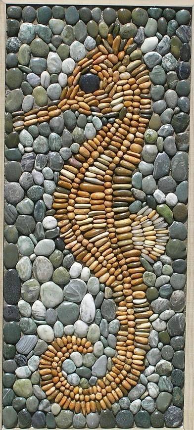 Seahorse by Karin Currie, Otaki, New Zealand. http://www.pinterest.com/zogpod1/pebble-mosaics-by-kcm/