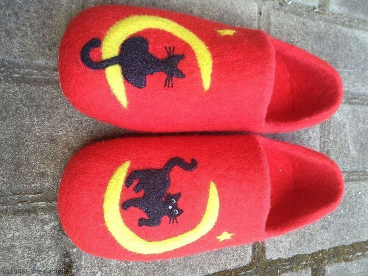 """Купить домашние валяные тапочки из натуральной шерсти """" Прогулки по Луне"""" - ярко-красный"""