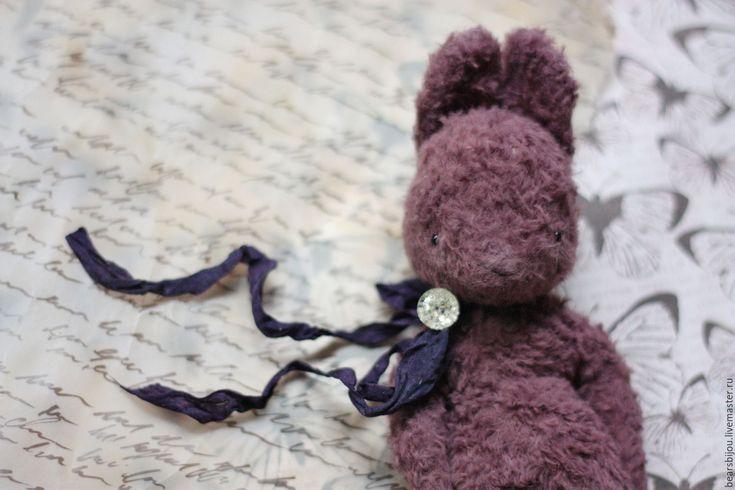 Купить Зайка для путешествий Сливка - тёмно-фиолетовый, сливовый, сливовый цвет, зайка для путешествий