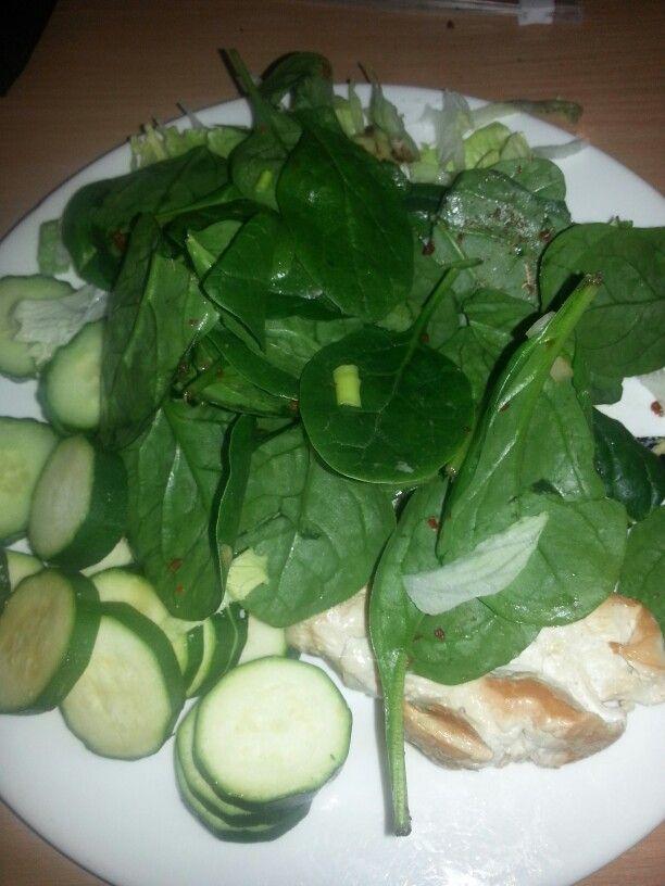 Chicken breast, avocado, lettuce, spinach, courgette