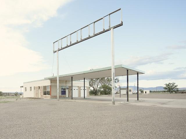 Iñaki Bergera       Ausencia de presencia.  Arquitectura. Interiores.