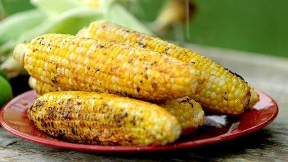 Maïs grillés épicés  - Recettes de cuisine, trucs et conseils - Canal Vie