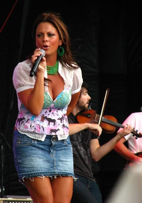Hot country sara songs evans singer history
