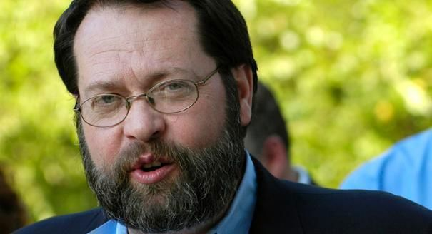 "Rep. Steve LaTourette, """"I signed the Norquist pledge back in October 1994 — 18 years ago — and it's a different world. ""  Check this out: http://www.1990sflashback.com/1994/economy.asp"