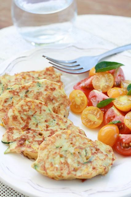 """Un """"flo"""" de bonnes choses ...: Galettes de courgettes au quinoa, cheddar et moutarde"""