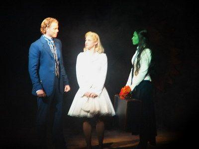 Mark Seibert (Fiyero), Lucy Scherer (Glinda) and Sabrina Weckerlin (Elphaba) as alternate in the Stuttgart production.