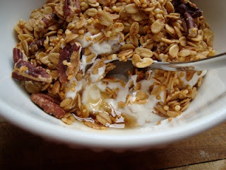 maple pecan granola (with qinoa crisps)