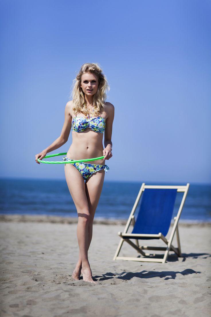 Pepita Beachwear Spring Summer 2014. Ischia fascia, Ischia slip con fiocchi