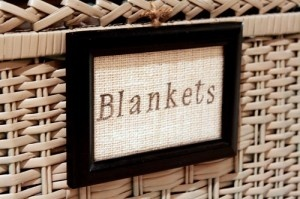 done and done.Diy Ideas, Crafts Ideas, Decor Ideas, Decorating Ideas, Fall Decorating, Bathroom Ideas, Dolls House, Blankets Baskets, Baskets Labels