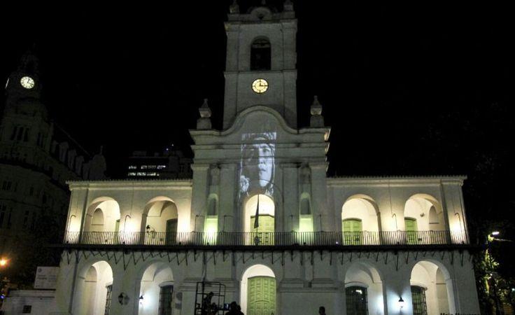 Campaña contra el Gobierno: iluminaron el Cabildo con el rostro de Milagro Sala   Milagro Sala detenida, Milagro Sala, Gerardo Morales, Jujuy, ONU
