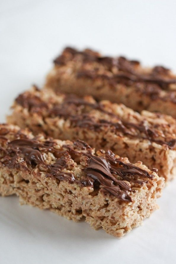 The perfect snack item! Double-Chocolate Chewy Crispy Bars | foodnfocus.com