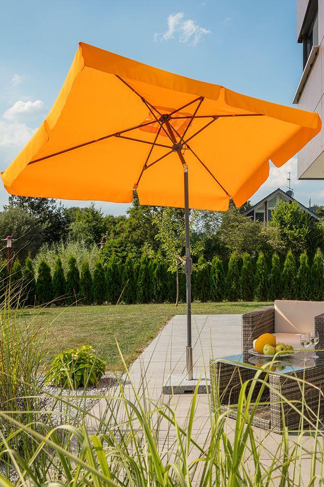Die Sonne Darf Kommen Mit Dem Schneider Ampelschirm Rhodos Junior Kein Problem Sonnenschirm Ampelschirm De Ampelschirm Sonnenschirm Garten Im Freien
