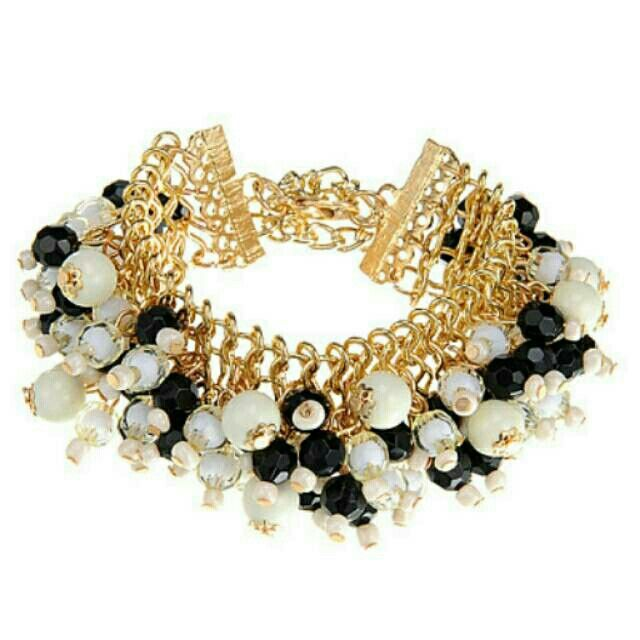 Saya menjual Gelang Fashion beads decorated multilayer design -R seharga Rp101.500. Dapatkan produk ini hanya di Shopee! https://shopee.co.id/deventostore/10967571 #ShopeeID