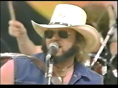 Hank Williams Jr. - A Country Boy Can Survive