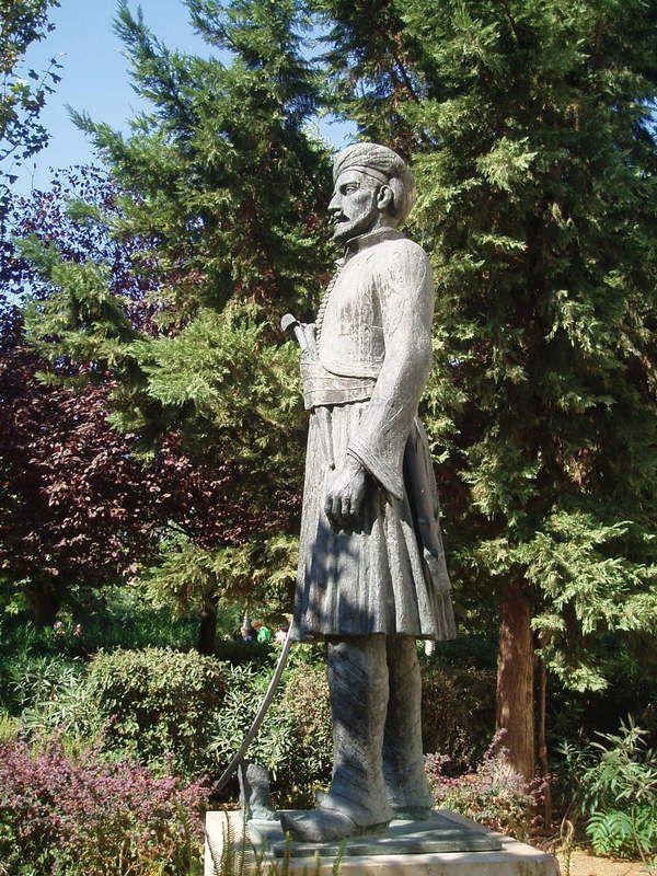 General Makriyannis, at Dionysiou Aeropagitou str, Athens (photo by Aspasia P.)