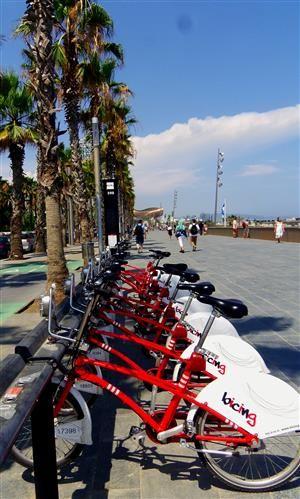 Fahrräder zum Mieten gibt es in #Barcelona wie Sand am Strand. #Bicing Station