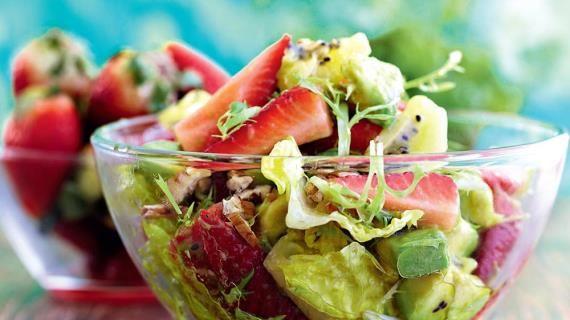 Салат из клубники, киви и авокадо с медовой заправкой. Пошаговый рецепт с фото, удобный поиск рецептов на Gastronom.ru
